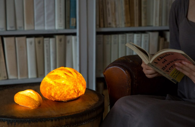 maison-objets-yukiko-morita-pamshade-bread-lamp-designboom-8